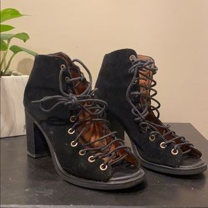 Black suede cors Jeffrey Campbell booties